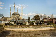 Fatih Heykeli Geçici Yerine Taşındı