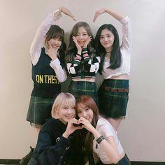 [Pristin] Yuha, Roa, Yehana, Eunwoo & Kyulkyung at Music Back