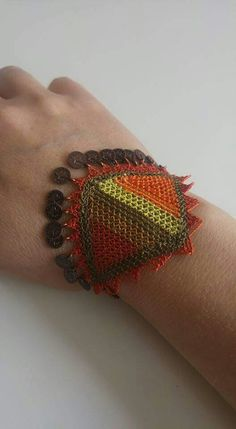 This Pin was discovered by hat Jewelry Gifts, Handmade Jewelry, Needle Lace, Jewerly, Diy And Crafts, Beaded Bracelets, Embroidery, Knitting, Crochet
