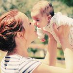 7 Perks of Having a Baby in Your 20s