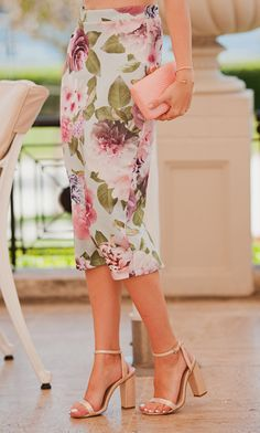 TIE BOW-TIE: FLORAL DRESS IN PALACE
