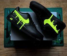 NIKE AF-1 GREEN DRIP by waldocustom Cute Nike Shoes, Cute Sneakers, Jordan Shoes Girls, Girls Shoes, Timberland Shoes, Nike Shoes Air Force, Nike Air Force Ones, Swag Shoes, Basket Mode