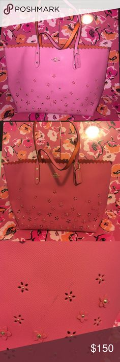 Coach Appliqué Tote 💋 Brand new w/tags, 100% authentic. This bag has a color transfer mark (shown in pic 3) price is firm.💋 Coach Bags Totes