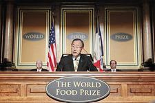 INSANITY: Monsanto Executive Receives World Food Prize: Global Leaders secretsofthefed.com