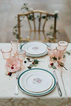 Elegant table decor   Art Wedding Photography