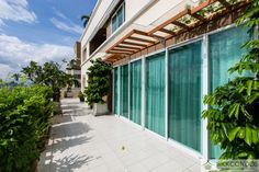 Huge terrace on the apartment for rent in Bangkok