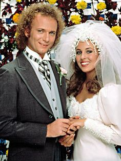 LUKE AND LAURA (Anthony Geary and Genie Francis) General Hospital LOVE'S FIRST BLUSH When crazy rule-breaker Luke managed to steal Laura away from her rich…
