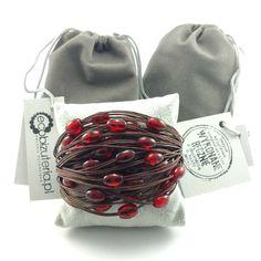 Bransoletka sznurek czekoladowy brąz czerwone koraliki Lens, Beanie, Fashion, Moda, Fashion Styles, Klance, Beanies, Fashion Illustrations, Lentils
