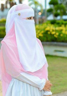 I would like to try on a hijab Hijab Gown, Hijab Niqab, Muslim Hijab, Muslim Dress, Hajib Fashion, Muslim Fashion, Fashion 2020, Womens Fashion, Arab Girls Hijab