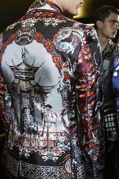 Dolce&Gabbana Summer 2016 Men's Fashion Show Backstage. www.dolcegabbana.com