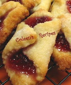 EASY KOLACHE COOKIES There are many different styles (and spellings) for Kolache cookies; some are made with yeast, so Easy Christmas Cookie Recipes, Easy Cookie Recipes, Christmas Baking, Holiday Recipes, Dessert Recipes, Christmas Cookies, Slovak Recipes, Czech Recipes, Pastry Recipes