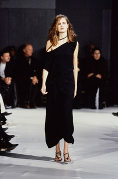 Ann Demeulemeester Spring 1997 Ready-to-Wear Fashion Show - Milla Jovovich