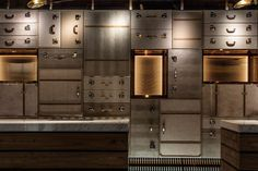 12 Ideas For Creating An Accent Wall Using Unexpected Materials // LUGGAGE -- The wall behind the check-in area of this hotel is made of luggage cases in all different positions to create depth and intrigue. Hotel Room Design, Lounge Design, Hotel Lobby, Lobby Lounge, Lobby Interior, Interior Design, Interactive Walls, Hotel Reception, Hotel Decor