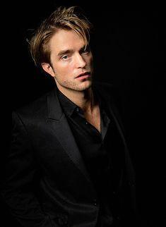 King Robert, Robert Douglas, Isaac Hayes, Robert Pattinson Twilight, Most Handsome Men, Twilight Pictures, Most Beautiful Man, Celebrity Crush, Pretty People