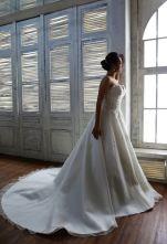 La Belle (4) Designer Wedding Gowns, Designer Gowns, Plus Size Designers, Crystal Beads, Bridal Gowns, High Fashion, Bride, Lace, Fashion Design