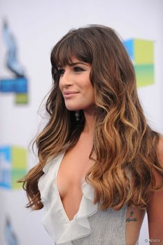 Hair Balayage Bangs Lea Michele Ideas For 2019 Square Face Hairstyles, Hairstyles With Bangs, Pretty Hairstyles, Lea Michele Hair, Ombre Look, Long Hair With Bangs, Beautiful Long Hair, Love Hair, Balayage Hair