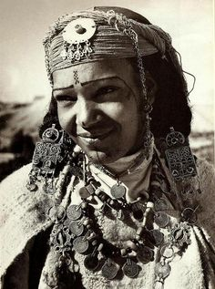 Africa | Berber woman | Photographer unknown