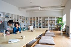 Someday I would LOVE to have a work room/office like this. Bright, clean, open & and organized. @Jenny Hopwood wouldn't this work well for either Bubbalu or Unveiled? Can you imagine?