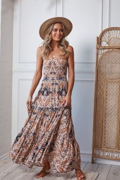You will find the latest selected women's dresses, cocktail dresses, formal dresses. You can Shop now and pay later with Afterpay. Casual Dress Outfits, Boho Outfits, Casual Dresses For Women, Dresses For Work, Clothes For Women, Women's Dresses, Summer Outfits, Curvy Girl Fashion, Boho Fashion