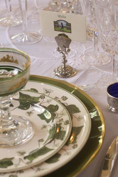 Reminds me of my Mom's china...Napoleon Ivy by Wedgwood.