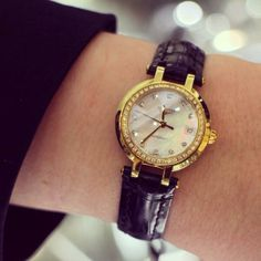 Three words: elegant, timeless and chic. We simply adore this diamond adorned #Longines watch… (Fine Watch Room)