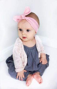 Pink Baby Headband / Baby Headband / Pastel Baby Headband / Baby Gift / Jersey Headband / Baby Topknot / Infant Headband / Baby Accessories Baby Outfit of the Day - We paired our Little Daisy Dot 'Pastel Pink Solid Baby Headband' with this cool grey/blue Baby Outfits, Outfits Niños, Little Girl Outfits, Toddler Outfits, Kids Outfits, Baby Kind, Cute Baby Girl, Baby Love, Cute Babies