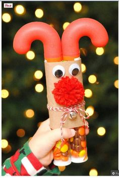 Candy Cane Reindeer Craft - A fun craft for kids t… Candy Cane Reindeer, Reindeer Craft, Christmas Projects, Holiday Crafts, Holiday Fun, Christmas Candy Crafts, Christmas Ideas, Crafty Christmas Gifts, Holiday Candy