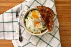 baked eggs with spinach and ricotta // the muffin myth