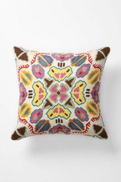 Gorgeous throw pillows.