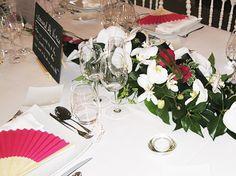 Grand centre de table Giscours Bordeaux, Table Decorations, Home Decor, Center Table, Decoration Home, Room Decor, Bordeaux Wine, Home Interior Design, Dinner Table Decorations