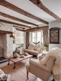 Rilla Mill luxury self-catering cottage in Cornwall Country Cottage Living Room, Country Cottage Interiors, Home Living Room, Living Room Designs, Living Room Decor, Rustic Cottage, Coastal Cottage, House Interiors, Salons Cottage