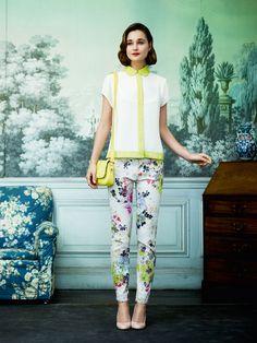 Printed pants with chartreuse peter pan collar top and sunny yellow handbag.