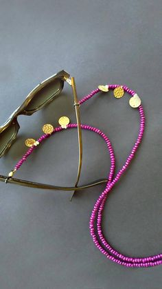 This item is unavailable Diy Glasses, Beaded Jewelry, Beaded Bracelets, Diy Accessoires, Handmade Accessories, Handmade Bracelets, Fascinator, Jewelry Design, Chain