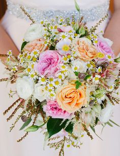 Pink spring bouquet with garden roses + chamomile daisies