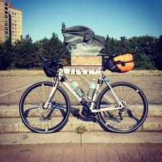Le vélo — Voyage Voyage — Medium
