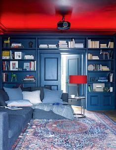 Modern home decorating ideas: 18 striking design ideas worth copying | Livingetc Upholstered Walls, Dado Rail, Wallpaper Ceiling, Home Libraries, Cinema Room, Glamour, Planks, Living Room Modern, Carrara