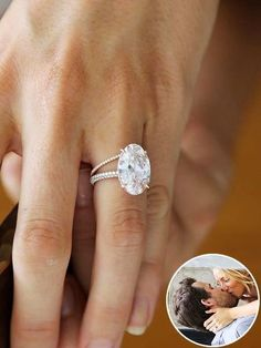 Blake Lively& Engagement Ring and Wedding Band Engagement and Hochzeitsklei. Engagement and Hochzeitskleid - Blake Lively Engagement Ring, Engagement Solitaire, Best Engagement Rings, Blake Lively Ring, White Saphire Engagement Ring, Oval Shaped Engagement Rings, Blake Lively Wedding, Wedding Engagement, Dream Ring