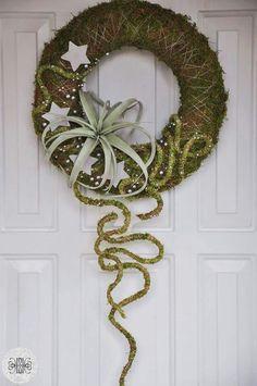 ~~ Artist designer Małgorzata Pawłowska from Sochaczew, Poland Christmas Door Wreaths, Christmas Flowers, Natural Christmas, Outdoor Christmas Decorations, Holiday Wreaths, Christmas Ornaments, Arte Floral, Nature Decor, Diy Wreath