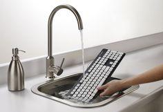 Um teclado lavável - http://wp.clicrbs.com.br/vanessanunes/2012/08/28/um-teclado-lavavel/?topo=13,1,1,,,13