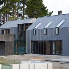 Zinc: The Dark Horse of Metal Roofing – Zinc Roof Costs 2019 – Home Remodeling Costs Guide Roof Cladding, Steel Cladding, Steel Roofing, Tin Roofing, Roofing Shingles, Exterior Cladding, Wall Cladding, Galvanized Metal Roof, Zinc Roof
