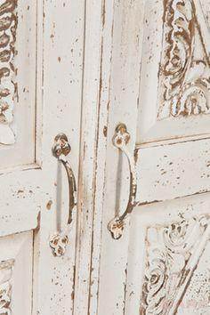 Taberna Wardrobe White 2 Doors  KARE - Der absolute Wohnsinn - Möbel, Leuchten, Wohnaccessoires und Geschenkartikel