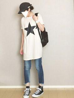 ANAPのTシャツ/カットソー「星プリントBIG TEE」を使ったまるちわのコーディネートです。WEARはモデル・俳優・ショップスタッフなどの着こなしをチェックできるファッションコーディネートサイトです。