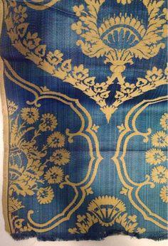 'Alva', silk & wool power-woven cloth, 1905-1910. H. Scott Richmond for Morris & Co.