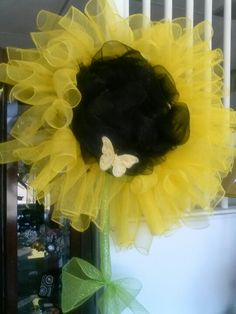 gorgeous sunflower wreath w/ butterfly