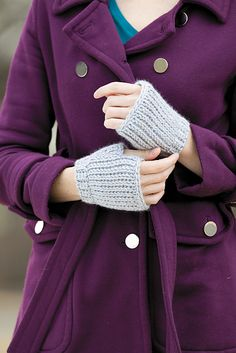 Ravelry: Mitts pattern by Kim Guzman