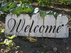 """Wooden fence craft projects """"Welcome"""" vinyl and decided a cool craft … - Modern"""