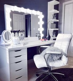 Elevate your space with one of our pro size mirrors! This gorgeous Studio Pro ra… Elevate your space with one of our pro size mirrors! This gorgeous Studio Pro radiates glamour ✨ ⠀ 📷: Elvi Casta Bedroom Makeup Vanity, Vanity Room, Makeup Room Decor, Vanity Decor, Vanity Ideas, Ikea Vanity, Vanity Set, Vanity Chairs, Makeup Vanities