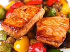 Tepsis lazac vele sült zöldségekkel Vegetable Soup Healthy, Healthy Soup, Healthy Options, Healthy Recipes, Marinated Salmon, Duck Sauce, Jewish Recipes, Hoisin Sauce, Bulgur