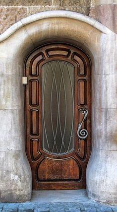 Tür mit großem Glaseinsatz und Schmiedeeisen