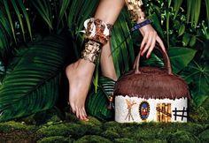 Nel magazine My Luxury troviamo l'esposizione della collezione Primavera-Estate 2013 di Braccialini. Borse dedicate all'Africa ed ai suoi colori caldi ed avvolgenti. Un mix straordinario per accessori da urlo.